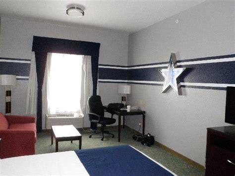 theme hotel dallas king dallas cowboy room picture of ramada hewitt hewitt