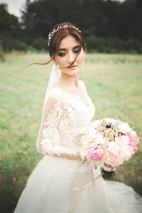 model gaya foto pengantin gaya selfie kekinian