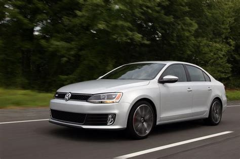 2012 volkswagen jetta used car review autotrader