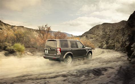 lr4 land rover off road 2013 range rover evoque adds lower priced pure trim to