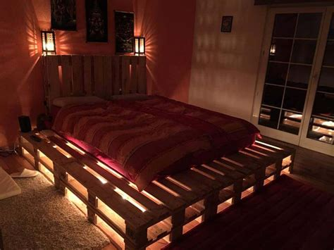 Bett Aus Paletten Beleuchtet by ᐅ Europaletten Bett Selber Bauen Einige Ideen Und Tipps