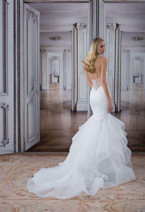 Deep V neck Lace Bodice Tulle Skirt Mermaid Wedding Dress