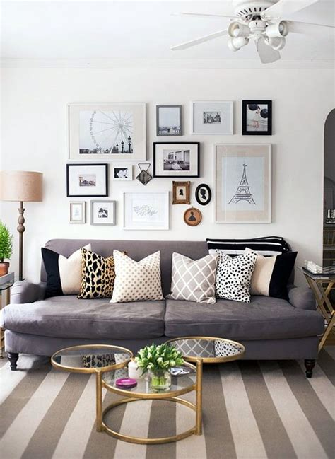 40 Simple But Fashionable Living Room Wall Decoration Simple Wall Decorating Ideas