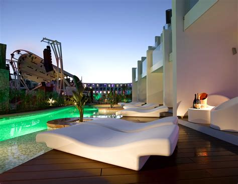 swim up rooms ibiza rooms and suites in playa den bossa ibiza