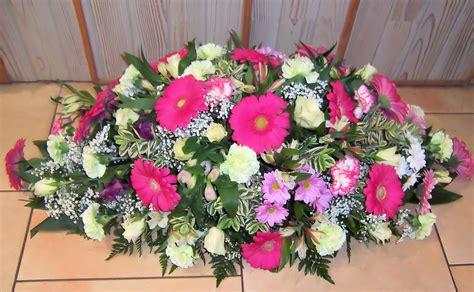 coussin de fleurs deuil coussin de fleurs pour un deuil