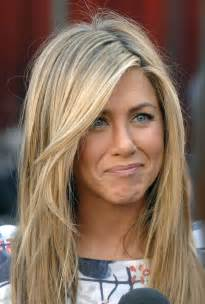 what color are aniston s aniston hair color hair style