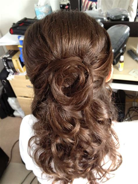 American Wedding Hairstyles Half Up by American Brides Bridesmaids Half Up Wedding Updo