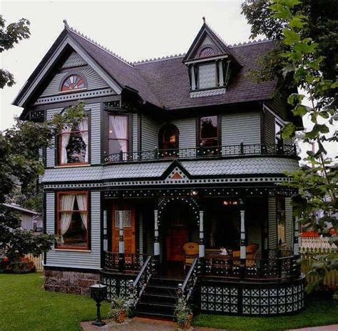 new houses that look like old houses victorian love old victorian homes pinterest