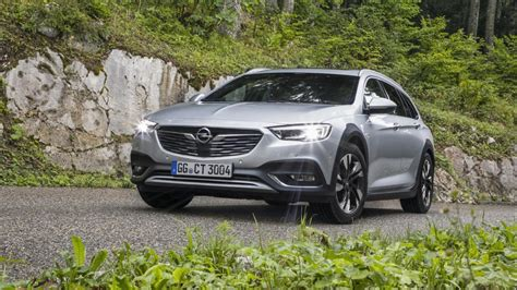 opel holden 2018 opel vauxhall insignia country tourer and holden
