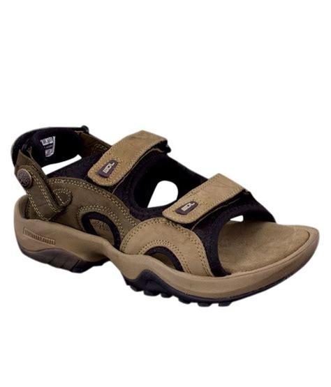 woodland brown sandals woodland brown floater sandals gd1033111khk buy