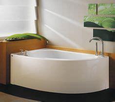 48 tubs small bathrooms corner bathtub on pinterest corner tub bathtubs and bathroom