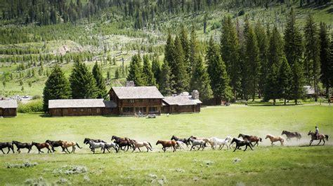 farmhouse ranch horse farm wallpaper 3364