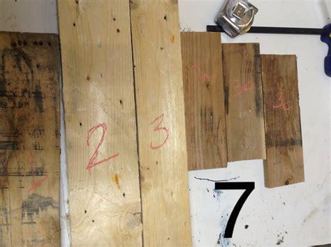 recouvrir table recouvrir une table basse en bois de palette d 233 conome