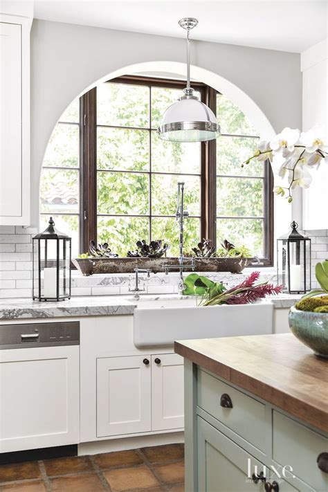 spanish kitchen cabinets 25 best ideas about spanish colonial kitchen on pinterest