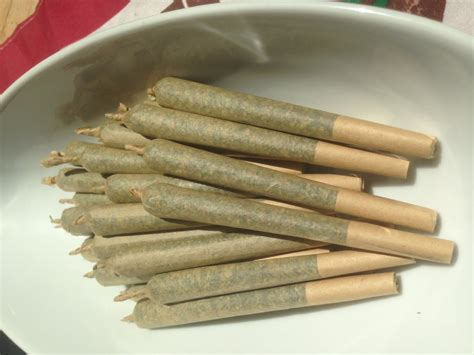 How To Make A Blunt Out Of Paper - how to make a blunt out of paper 28 images blunt wraps