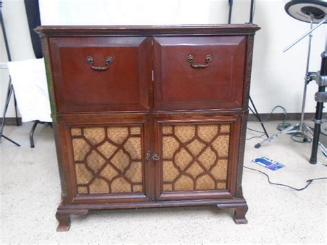 vintage record player cabinet parts vtg zenith cobra record player w radio wood cabinet local