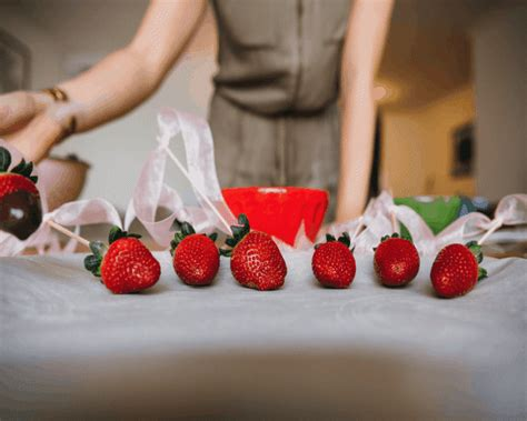 Chocolate Covered Strawberry Minus The Calories by Shakeology Chocolate Dipped Strawberries Recipe The