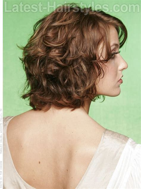 pictures of meduim layered hair in pony tails 150 best images about medium length curly hair on