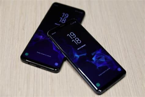 galaxy  mini specs features  samsung phone spotted