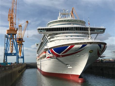 boat repair ventura p o cruises ventura completes two week docking at damen