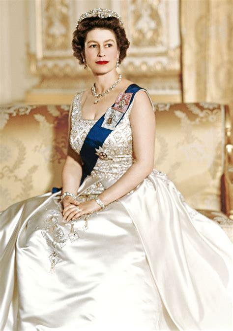 la reina de las la reina isabel ii reina de los r 233 cords 161 hola tv estrenar 225 el 12 de septiembre un documental