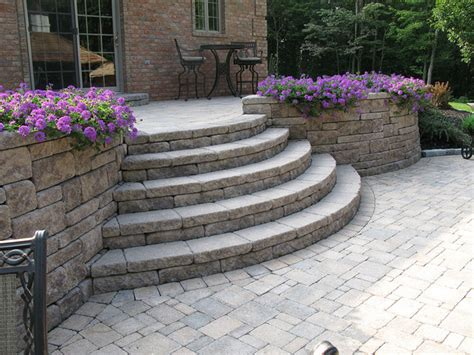 Outdoor Patio Walls by Creative Outdoor Stairs Options Using Allan Block