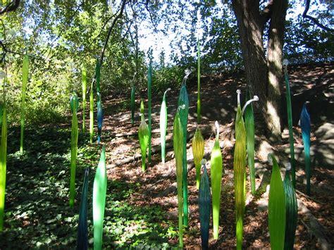 chihuly glass sculptures   bronx botanical garden