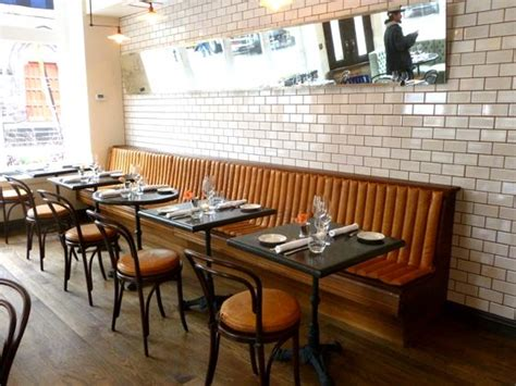Restaurant Banquette by Best 25 Restaurant Banquette Ideas On
