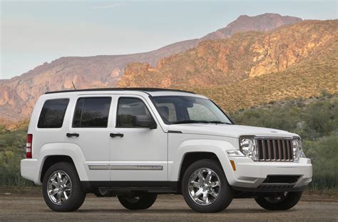 2010 jeep lineup 2010 jeep liberty offers wrangler style open air driving