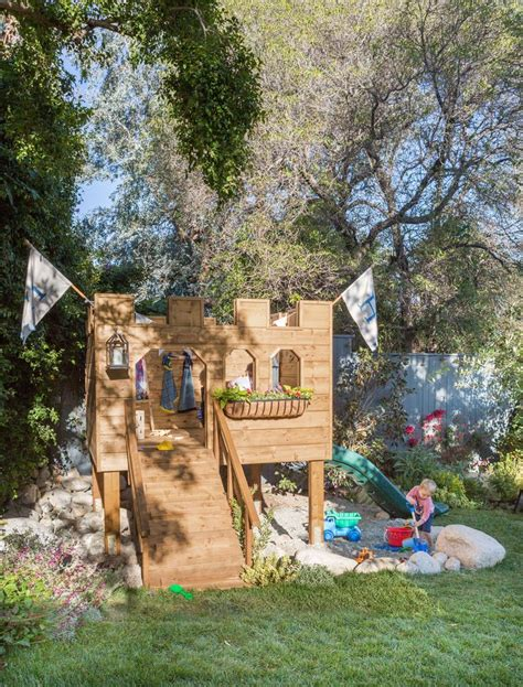 playhouse dwell com 25 unika castle playhouse id 233 er p 229 pinterest lekstugor