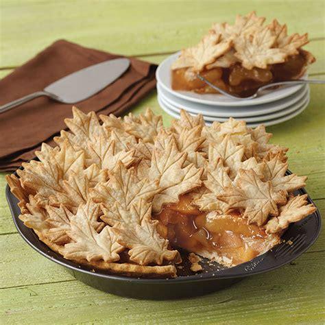 apple pie with cut out leaf crust wilton autumn leaves apple pie wilton