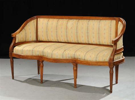 divano luigi xvi divano luigi xvi in noce xviii secolo antiquariato e