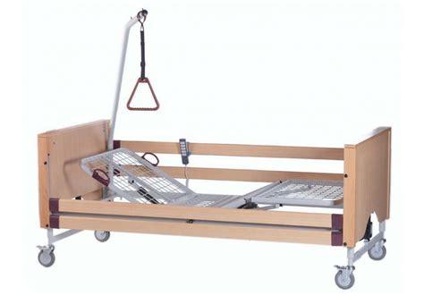 letto ortopedico elettrico letto ortopedico per degenza legno 3 snodi elettrico