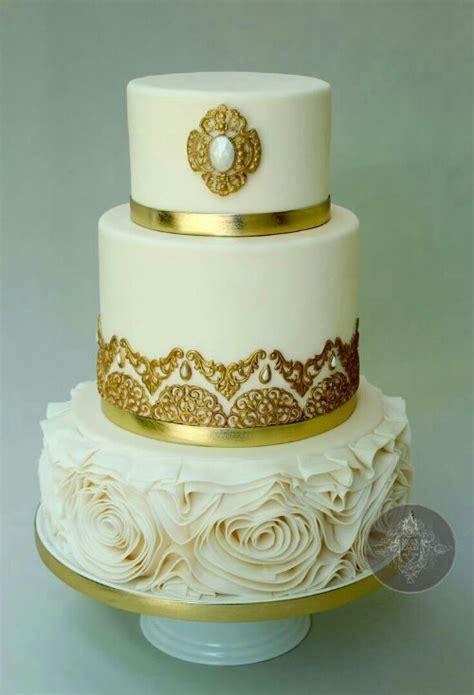 Posh Cakes by Posh Cakes Bridal Chic