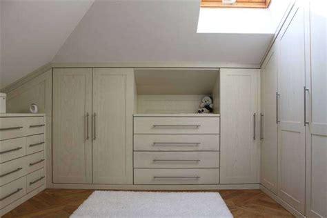 armadio su misura mansarda mobili per mansarde foto design mag