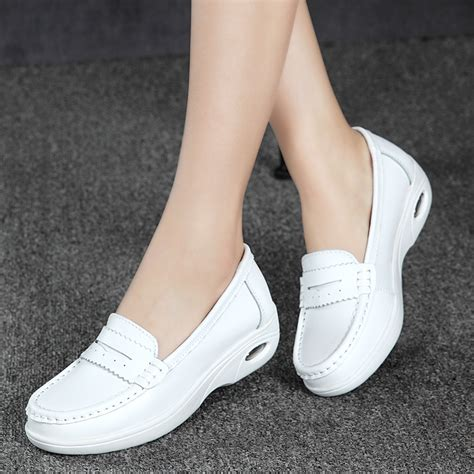Sepatu Wedges Wanita Putih Big Casual Slip On Dropship Sepatu Murah High Quality White Platform Shoes Moccasins