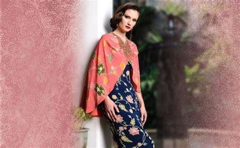 Foto Dress Batik Danar Hadi modern batik dress by danar hadi batik