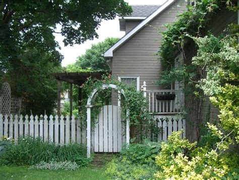 country style fence country style fence ideas town country living