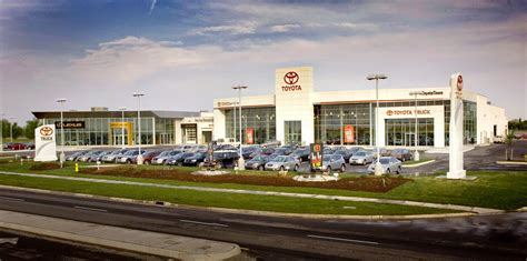 toyota best dealership how to spot the best toyota dealers in ontario