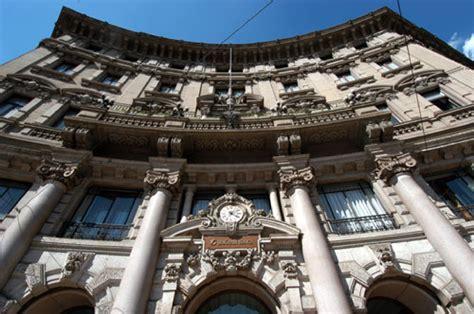 unicredit sede legale unicredit vende la storica sede milanese di piazza