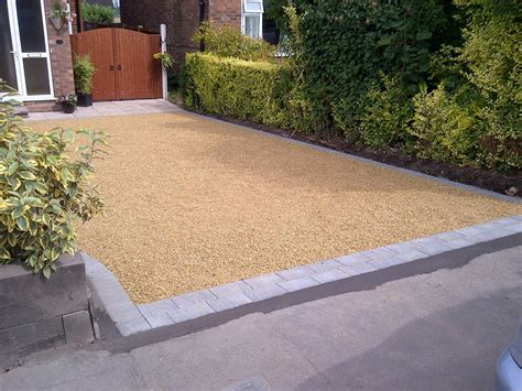 gravel driveway with block paving edging or border drive ways pinterest block paving