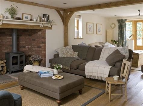 cottage livingrooms best 25 cottage living rooms ideas on country