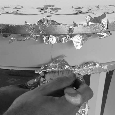 comodino argento comodino con foglia argento