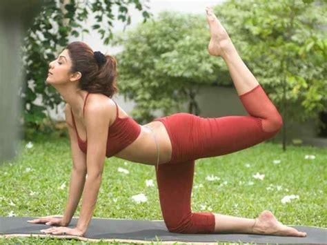 hot girls yoga poses cross training new hot yoga poses girls beauty workout