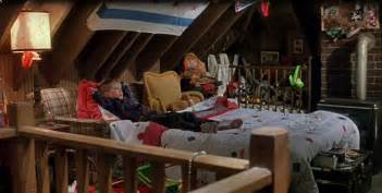 Home Alone House Interior Home Alone House Tours House Interiors And Ceiling Beams