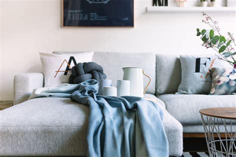 wohnzimmer einrichten günstig wohnzimmerteppich grau