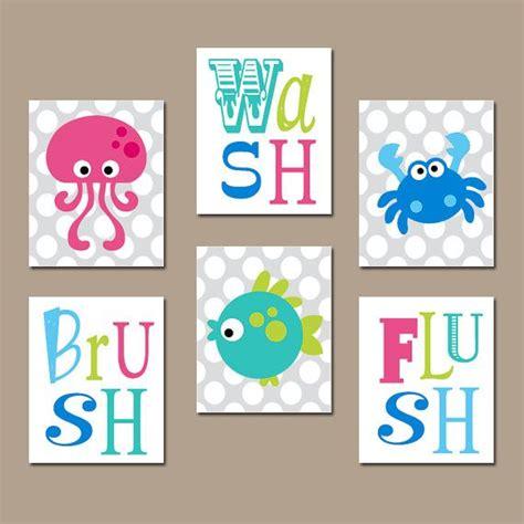 art for kids bathroom best 25 fish bathroom ideas on pinterest kids beach bathroom beach theme wall