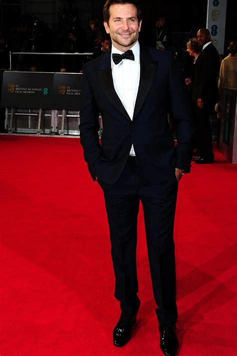 Bradley Cooper En La Alfombra Roja De Los Oscars 2014 Todas Las Fotos De La Alfombra Roja De Los Premios Bafta 2014 En Londres Bradley Cooper