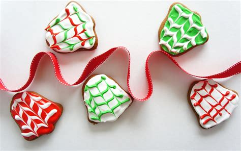 new year ribbon cookies gentlemen cupcakes wallpaper 2560x1600 24664