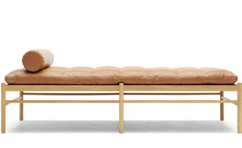 Ole Wanscher 150 Daybed With Neck Pillow   hivemodern.com